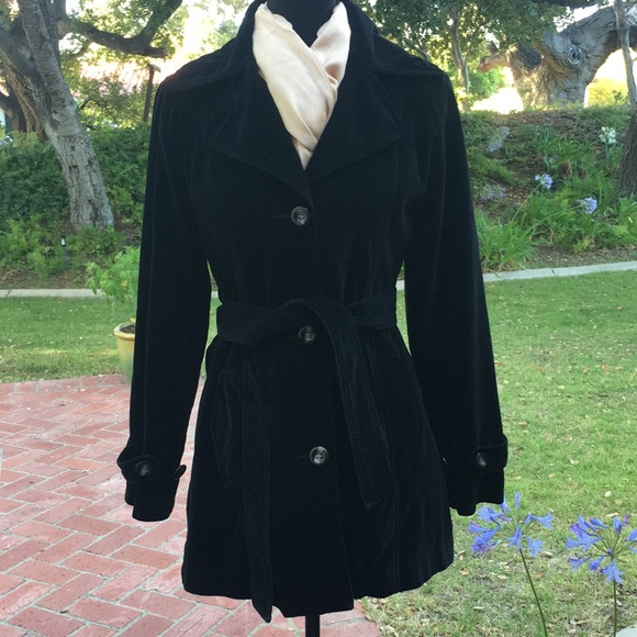 hoard as a rare commodity top-rated original outlet Black Velvet Trench Coat